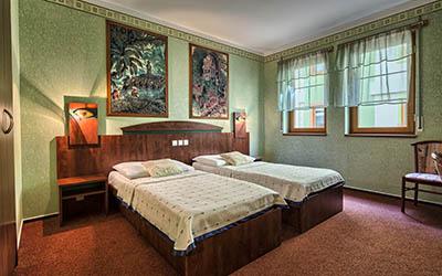 Hotel Babylon Pdf